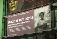 Judith Joy Ross : Banner der Ausstellung